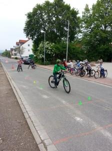 Da bei den Kindern alles klappte und das Wetter trocken blieb, wagten wir eine kurze Tour Richtung Evensen. Fazit: Für die nächste Fahrradtour sind wir fit!